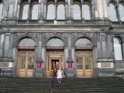 Fachada y entrada al Royal Museum